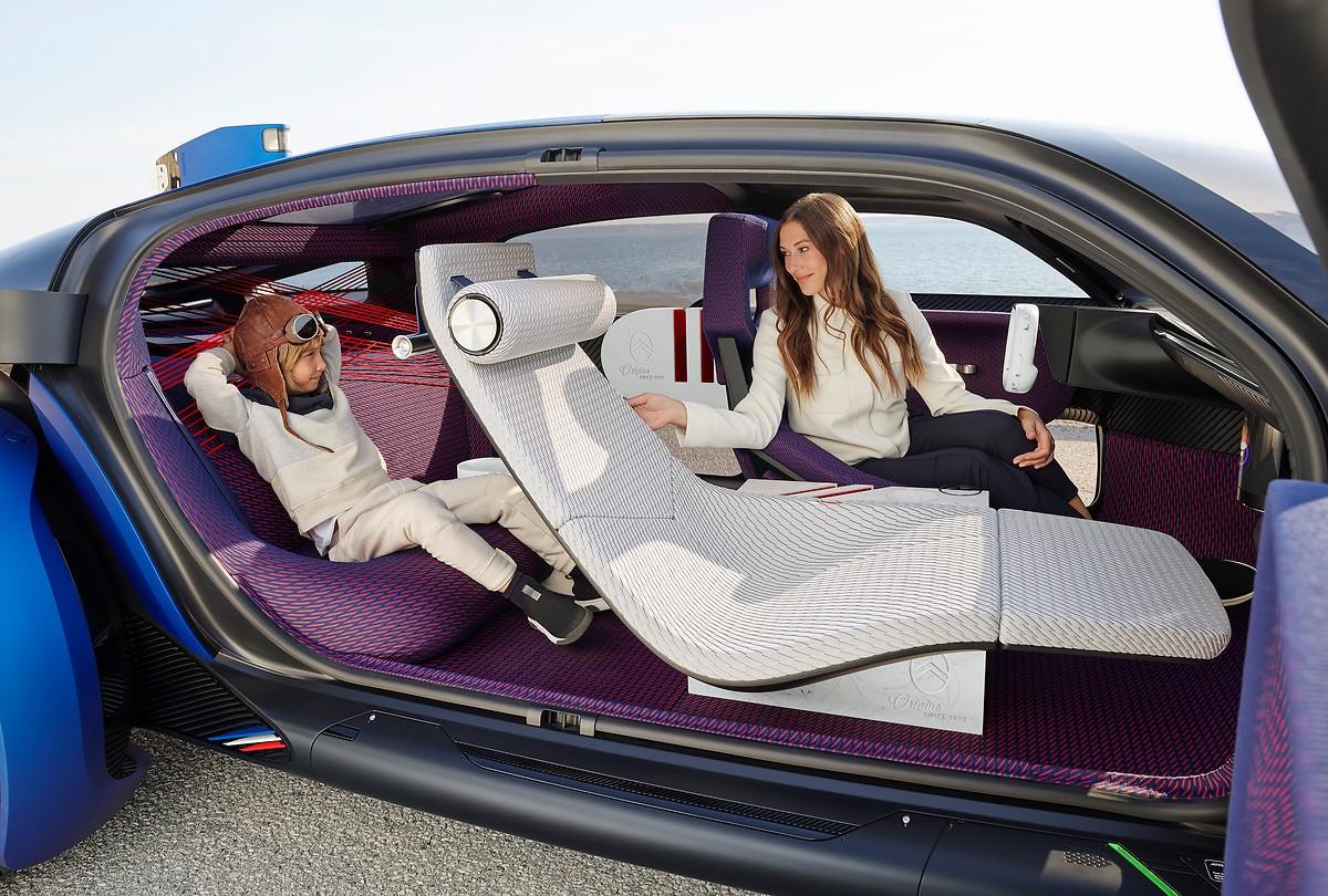 图片包含 汽车, 架子, 小, 行李描述已自动生成